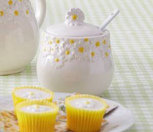 Daisy Ceramic Sugar Bowl With Spoon, £10