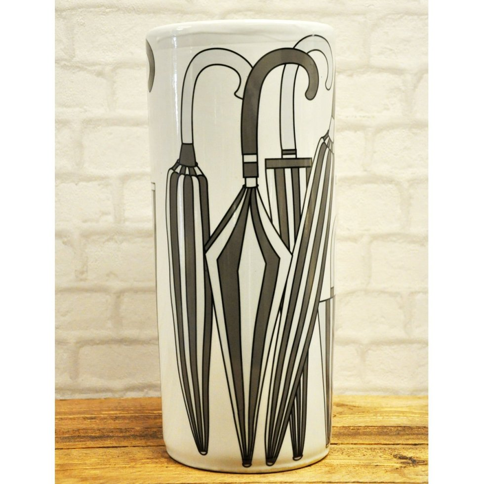 Black and white retro umbrella stand