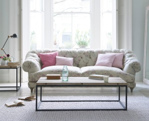 Vintage Rose with Bagsie sofa