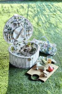Marks and Spencer picnic